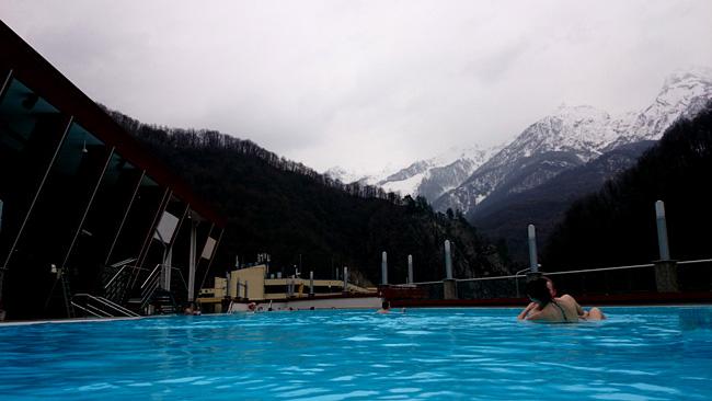 Роза хутор отели с бассейном на открытом воздухе